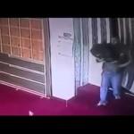 """لص يسرق """"المصاحف"""" من مسجد في الأردن"""