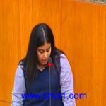 الطالبة غلا نايف المطيري: مو محتاجين نعلمهم أن المرأة لا تخرج من منزلها إلا للقبر