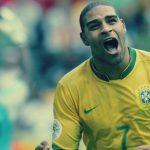 """قصة أدريانو البرازيلي: من لاعب شهير إلى مُجرم وعضو بعصابة """"الكوماندوز الأحمر"""""""