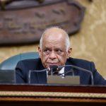 رئيس المجلس لـ النواب: إلتزموا بعدم السلام بالقاعة وعدم وضع اليد في الجيب