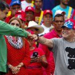تغريم مارادونا بعد إهدائه الفوز للرئيس الفنزويلي مادورو